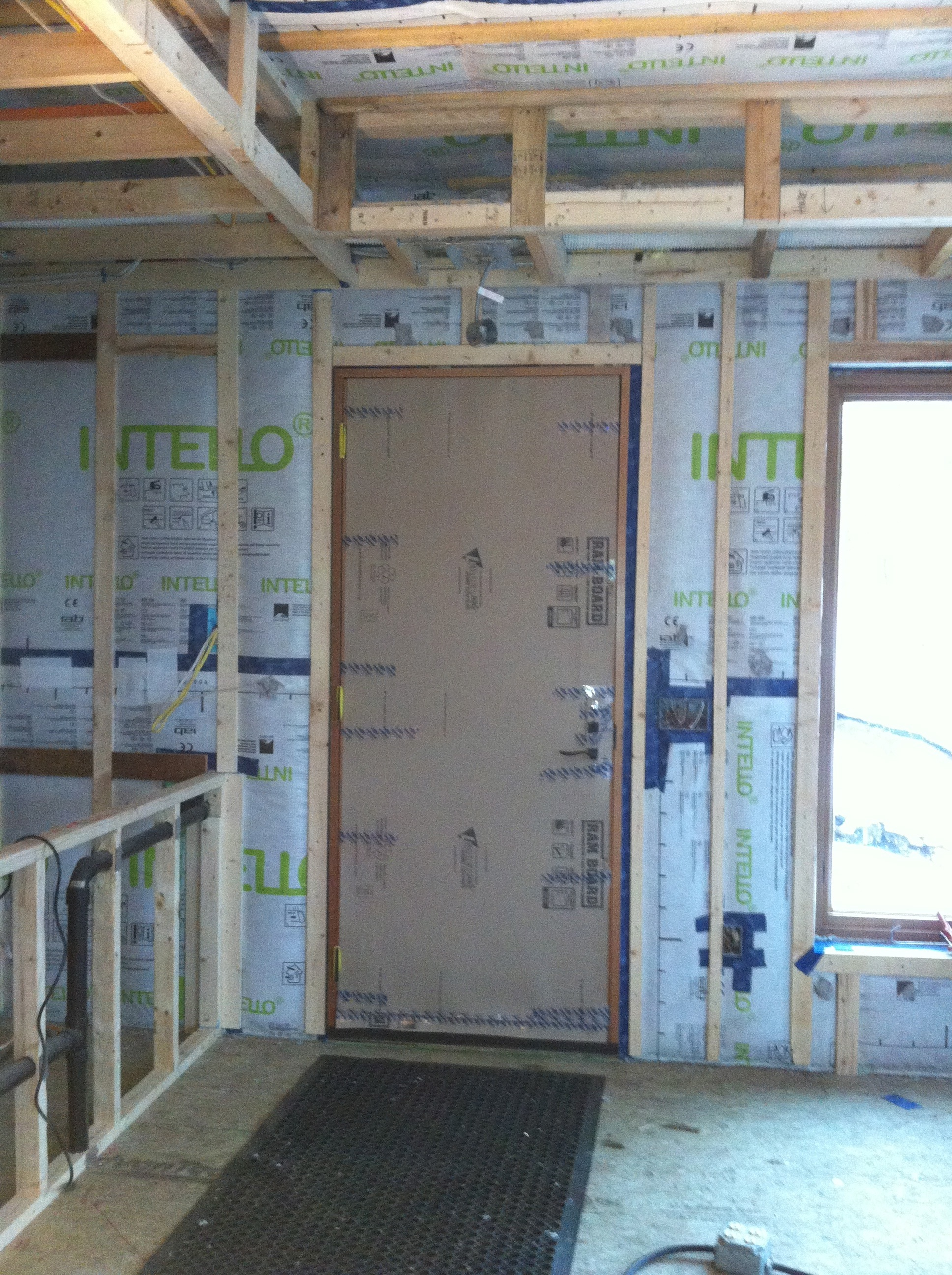 Airtight walls and ceiling with INTELLO Plus